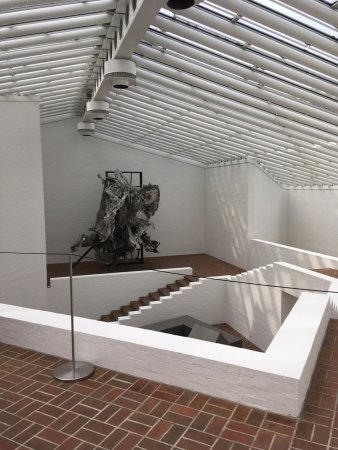 The Philip Johnson Glass House: Sculpture Gallery