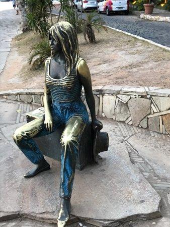 Brigitte Bardot Statue : photo0.jpg