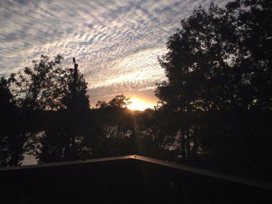 Bass Lake, كاليفورنيا: Sonnenuntergang am Bass Lake