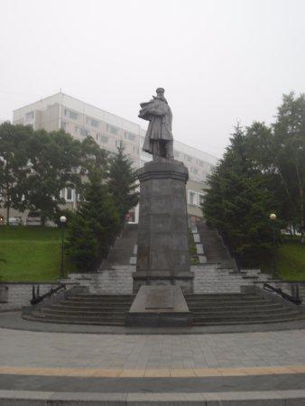 Памятник с семейный Полярный Мемориальный комплекс из двух видов гранитов Сатка