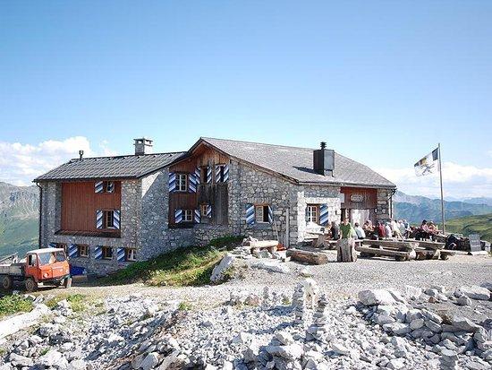 St. Antonien, Switzerland: Carschinahütte St. Antönien