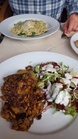Le Bistro Savoir Faire: Lentil moussaka and pasta main courses
