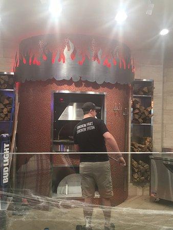 Ames, IA: Smokin' Oak Wood-Fired Pizza