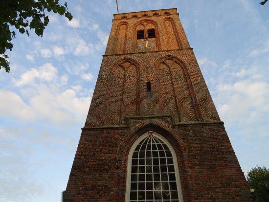 """Pieterskerk Eemnes uit het jaar 1439-""""Het Dikke Torentje"""""""