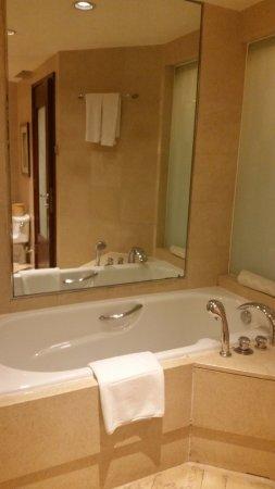 Kuntai Royal Hotel Image