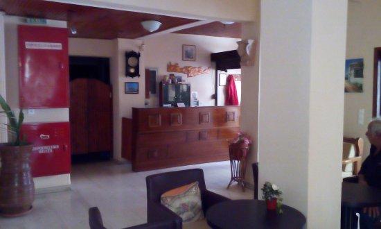 Hotel Tina: Reception