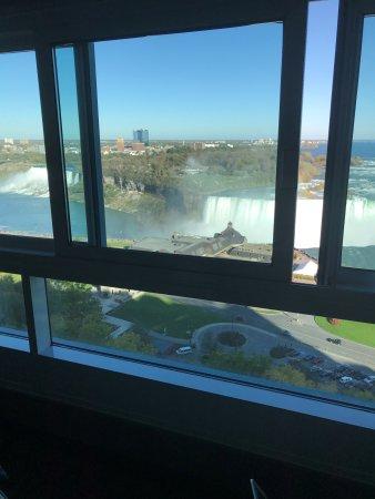 Niagara Falls Marriott Fallsview Hotel & Spa: Room 1612