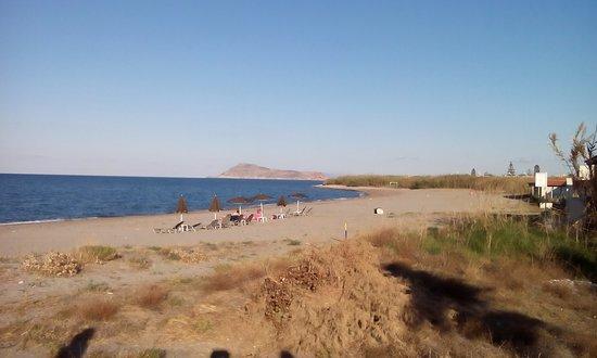 Zdjęcie Enorme Eanthia Beach