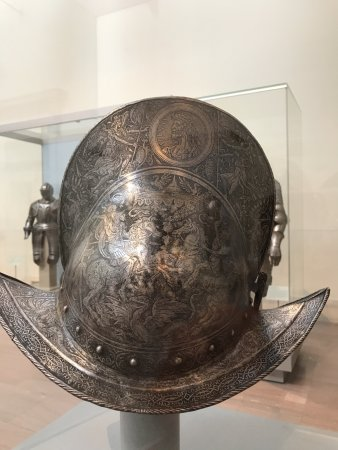 Metropolitan Museum of Art : 14th Century Armor
