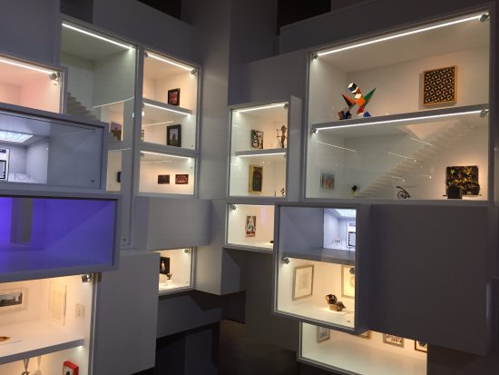 Gemeentemuseum Den Haag : Adored these little rooms, each was so well thought out