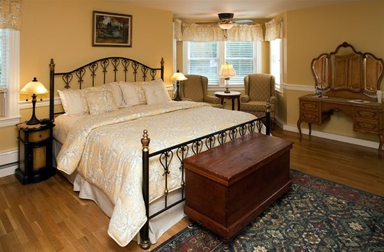 Jackson Village Suite - Picture of Bernerhof Inn Bed and Breakfast, Glen - Tripadvisor