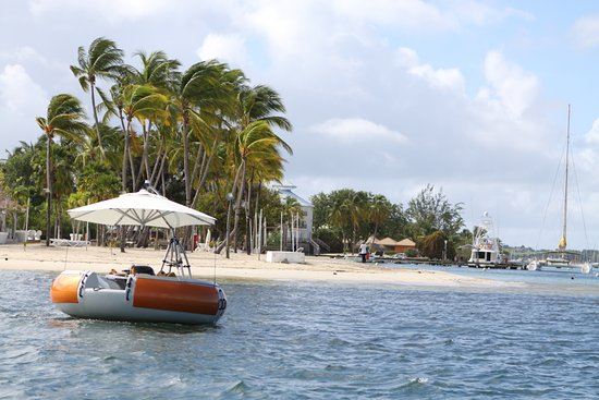 Le Marin, Martinique: BBQ DONUTS BOAT beach