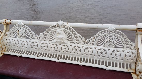 North Pier: Detailing on pier seating