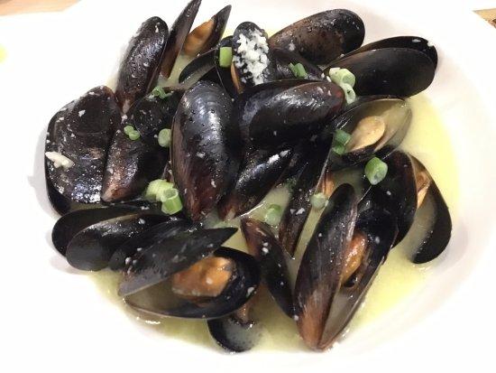 Pullman, WA: Steamed Mussels