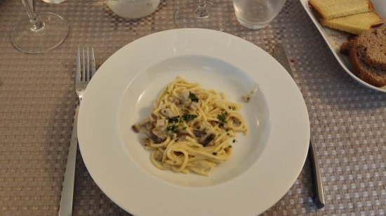 Dernice, Italy: IMG_20171022_142827_large.jpg