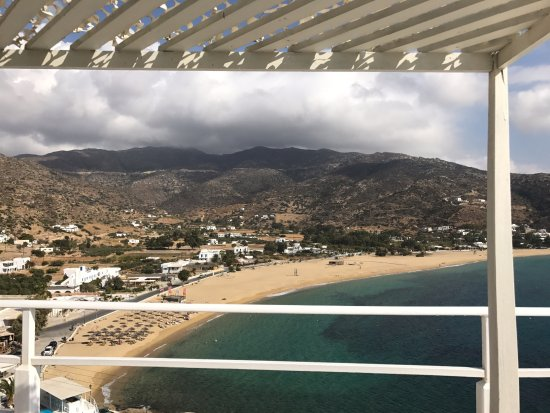 Milopotas, Grecia: View from the higher pool cabanas