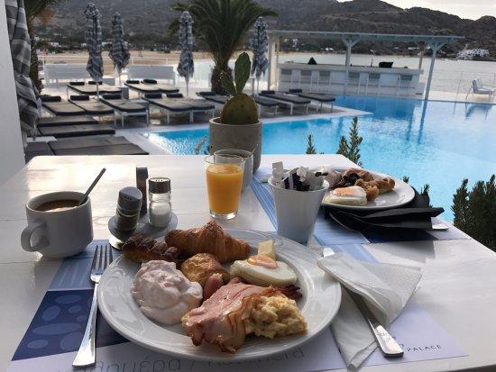 Milopotas, Grecia: Breakfast!