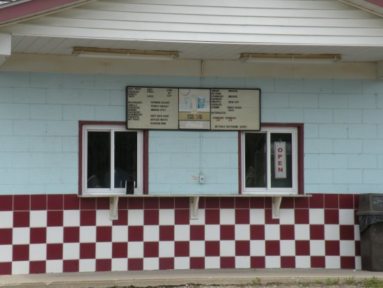 Aliquippa, PA: Ice Cream window at Corner Scoop