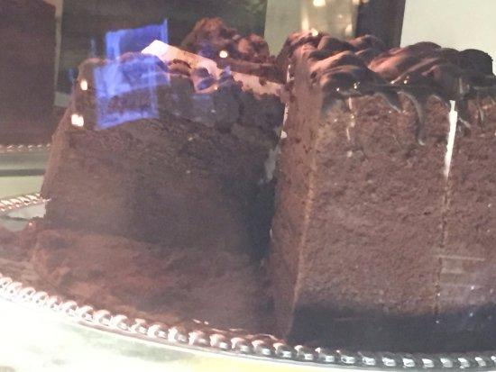 Glastonbury, CT: Mile high chocolate cake