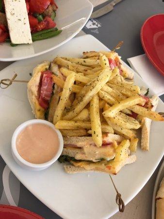 Ippokampos Beach Restaurant : Club Sandwich