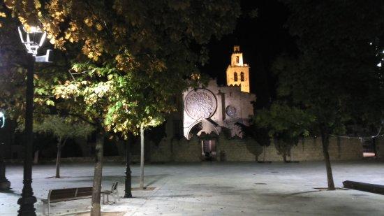Sant Cugat del Valles, Spanyol: Des de plaça Octavià