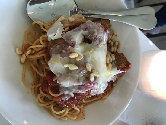 Town and Country, MO: Spaghetti & Meatballs