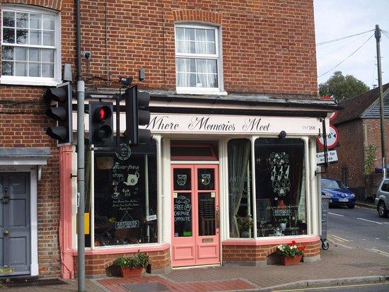 Wateringbury, UK: Front door and window table