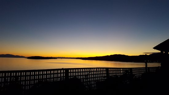 Sechelt, Canadá: sunset from the Eagle Suite.