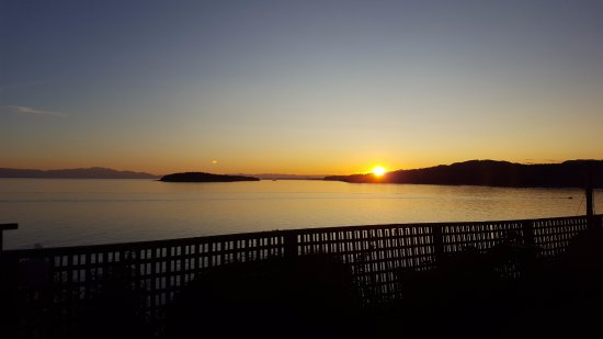 Sechelt, Canadá: sunset from the Eagle Suite
