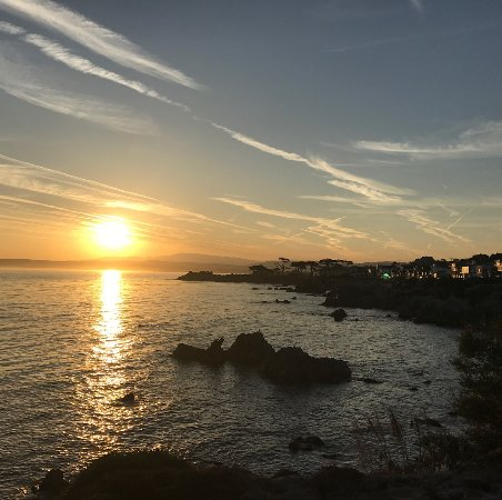 Monterey Peninsula Recreational Trail: Sunrise view from Lover's Point