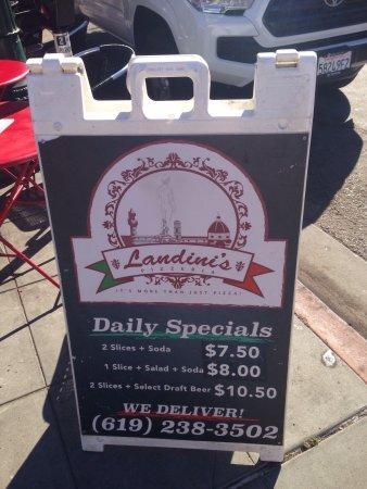Landini's Pizzeria : photo1.jpg