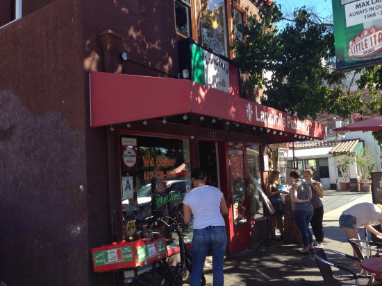 Landini's Pizzeria : photo2.jpg