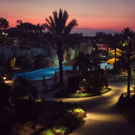 Hyatt Regency Grand Cypress: Beautiful sunset over the pool area
