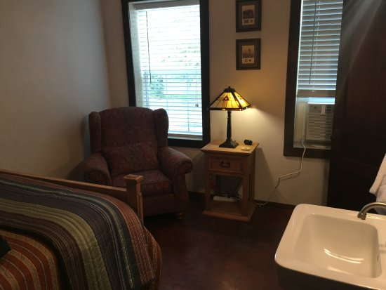 Hootie Creek House Bed & Breakfast: Room #1