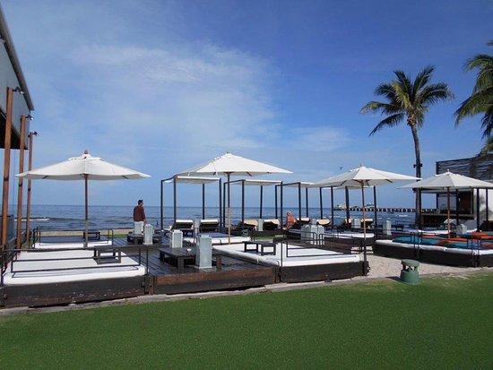 Oceanside Beach Club Restaurant Fabulous Lounging Area Between The Bar And By