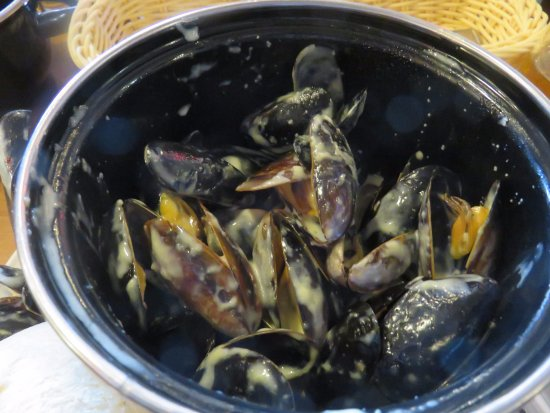 Moules (Mussels) Mariniere