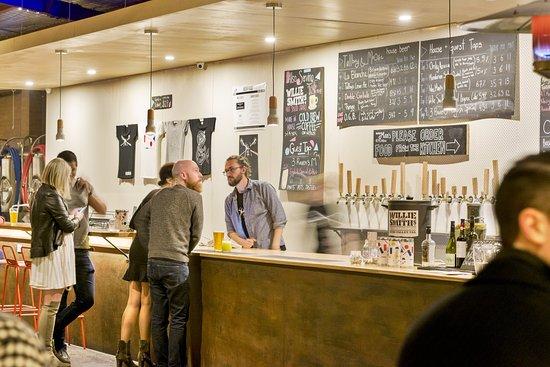 Preston, Australien: Talking beer