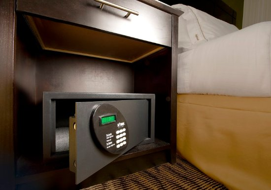 Waldorf, MD: Safe for your valuables in each room