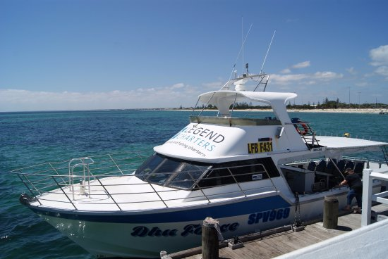 Busselton, Australien: You can go up the top deck or at the front of the boat for a great view