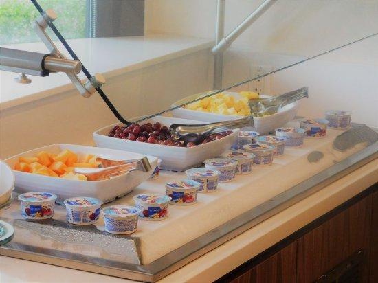 Irving, Teksas: Fruit on the Breakfast Buffet