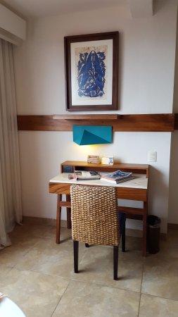 Las Brisas Huatulco: Desk