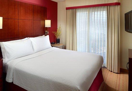 Alpharetta, Georgien: One-Bedroom Suite Sleeping Area