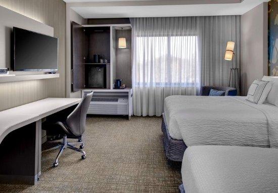 Carrollton, GA: Queen/Queen Guest Room