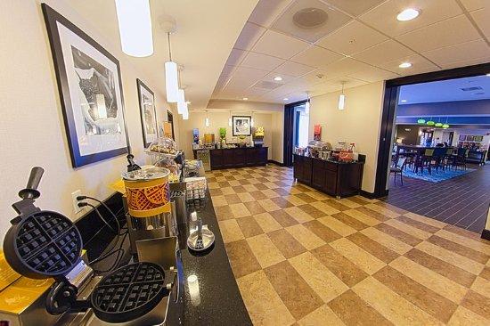 DeKalb, IL: Breakfast Bar