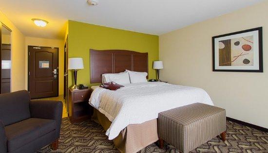 DeKalb, IL: Guest Room