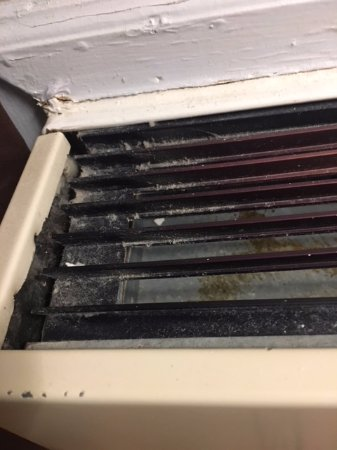 Wintergreen Resort: vent was blowing out moldy air