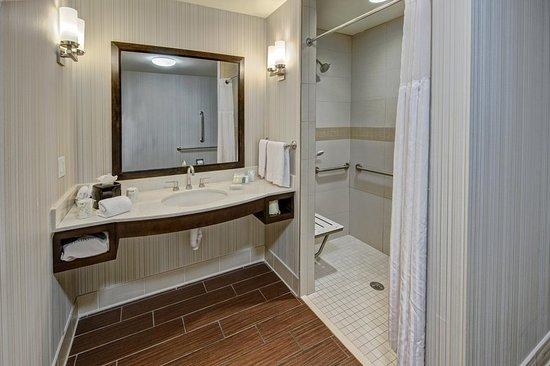 Cordova, TN: Roll-in Shower