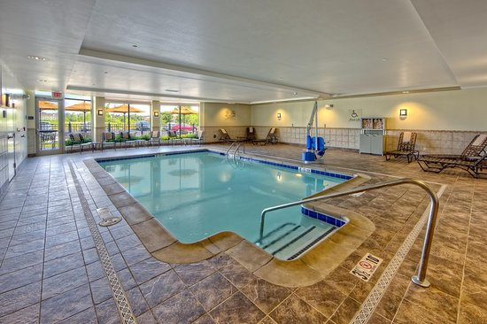Cordova, TN: Indoor Pool