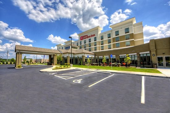 Cordova, TN: Hotel Exterior