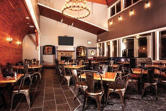 DoubleTree Racine Third Coast Restaurant